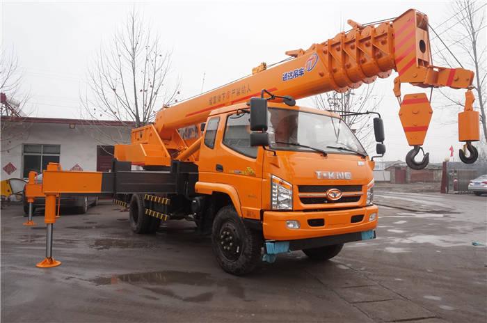 唐駿12噸汽車吊